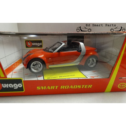 Smart roadster Red Cabrio 1/18 Bburago