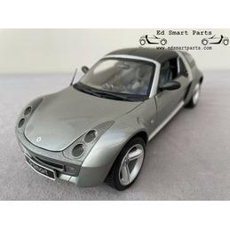Smart roadster Coupé Glance Grey 1/18 Kyosho